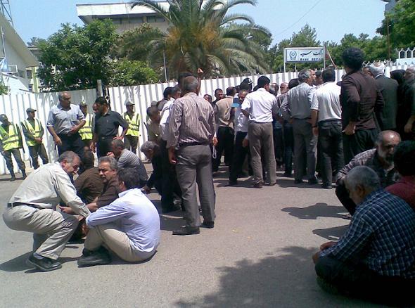 تجمع کارگران نساجی مازندران مقابل استانداری