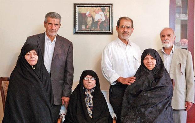 مادر «روحانی» در کنار همسرش به خاک سپرده خواهد شد  + تصویر جالب از برخی اعضای خانواده روحانی