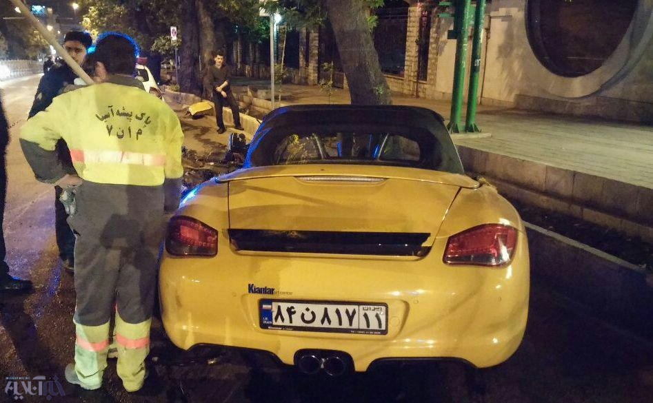 پورشه لهشده پسر امیر قلعهنویی بعد از تصادف با درخت و فوت یک نفر + تصاویر