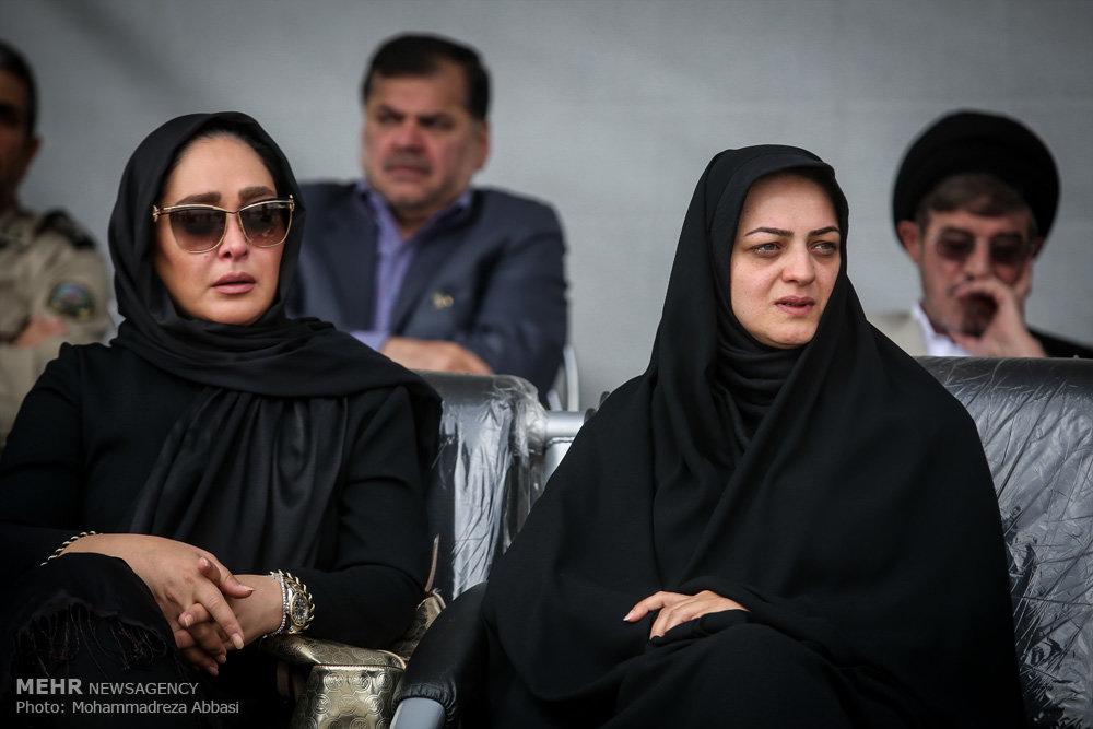 الهام حمیدی در مراسم تشییع همسر شهید بابایی/ عکس