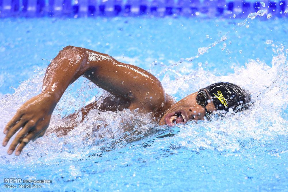 ثبت رکورد جدید شنا در عمق ۲۱ کیلومتری دریای خزر توسط شناگر بهشهر