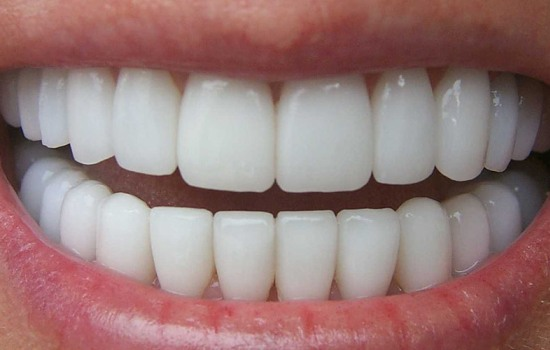 نخ دندان؛ پیش یا پس از مسواک؟