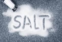 نمک بیش از حد غذاهای فرآوری شده!