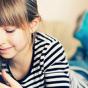 والدین با درخواست کودک برای استفاده از موبایل چه کنند؟