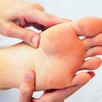 علائم و راهکارهای درمانی سندرم پای بیقرار