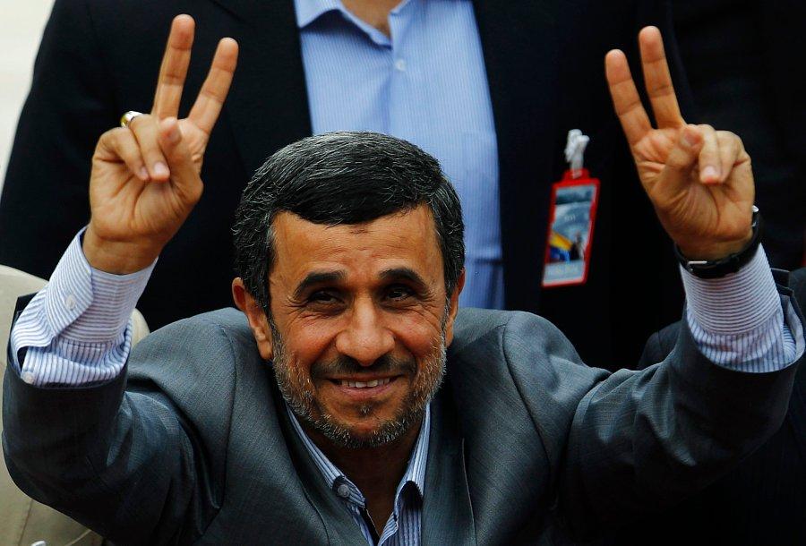 تنقلات و تخمه های خود را آماده کنید؛ احمدی نژاد بازهم می خواهد کاندیدا شود / او احتمالا رد صلاحیت می شود