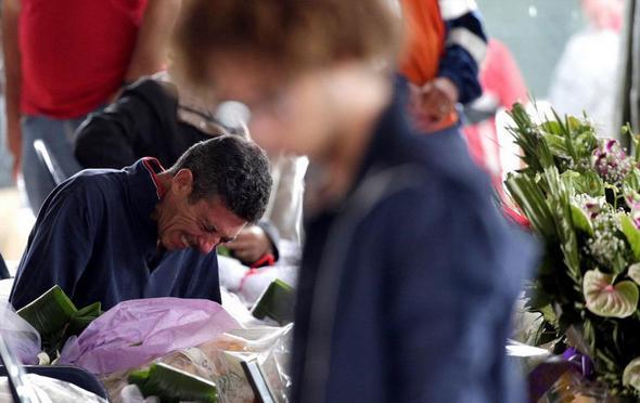 تصاویر : سوگواری خانواده قربانیان زلزله ایتالیا