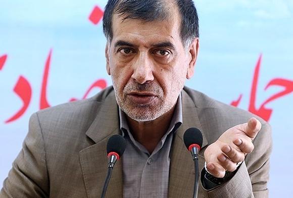 احمدینژاد فقط میآید در مجمع مینشیند و میرود