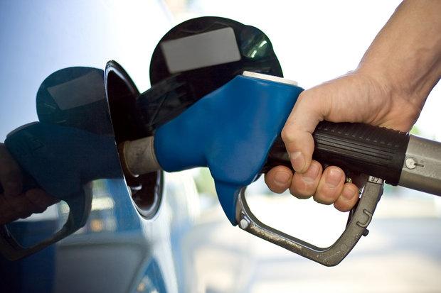 آغازسهمیه بندی بنزین با نرخ جدید+ جدول خودروهای مشمول سهمیه