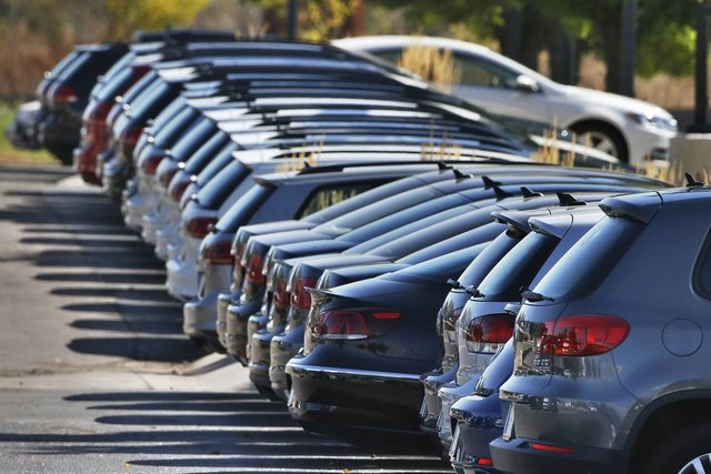 مراجعه به دفاتر رسمی برای ثبت نقل و انتقال خودرو ضروری نیست