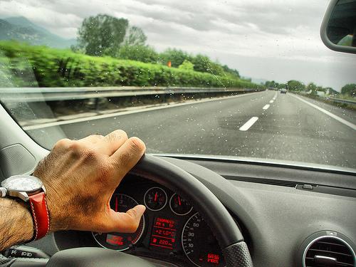 ۱۰ عادت منفی در رانندگی