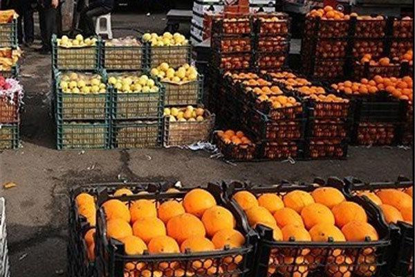 معاوضه صادراتی ۲ کیلو پرتقال با یک کیلو موز وارداتی