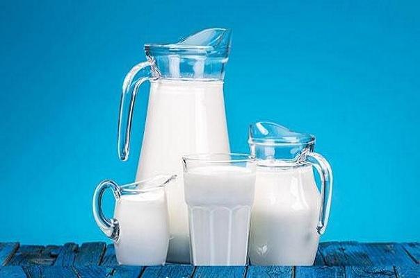 آیا شیر غنی شده با ویتامین D بخوریم؟
