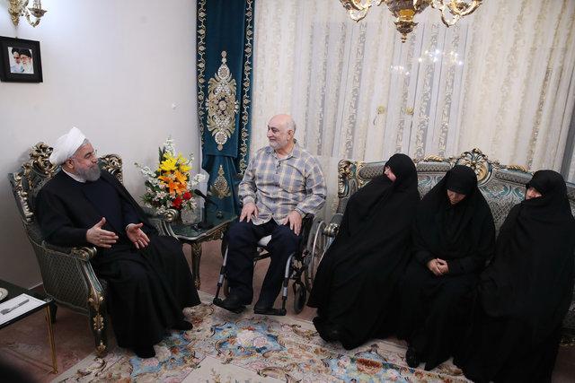 ایران با رهبری امام (ره)، فداکاری شهدا، جانبازان و مردم بر همه سختیها پیروز شد