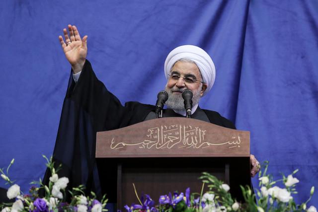 لاریجانی: این جلسه ادب دیوان نظام را عیان میکند/سخنرانی روحانی آغاز شد