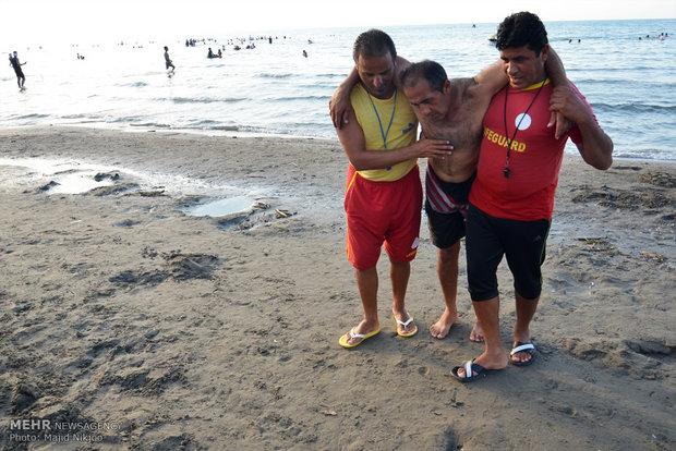 ۱۳۱۰ عملیات امداد و نجات ساحلی در مازندران انجام شد