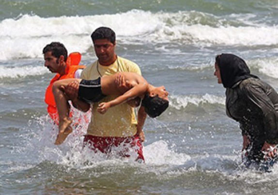 ۲۷ نجات یافته  و یک غریق در دریای مازندران