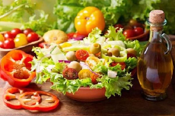 افزایش مواد مغذی سالاد با افزودن روغن